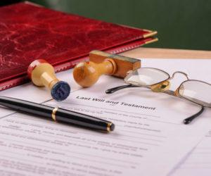 udostoverit-dogovor-dareniya-u-notariusa